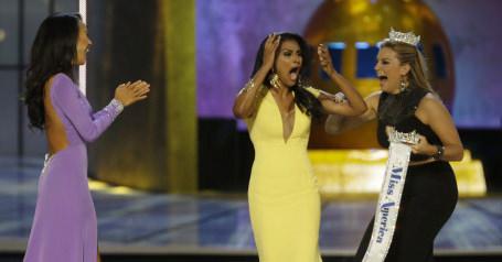Mallory Hagan, Nina Davuluri, Crystal Lee, Miss America pageant cowning