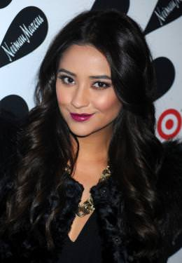1490-shay-mitchell-s-funky-fall-look-0x375-2