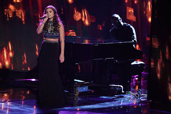 Jacquie Lee in Sherri Hill 11068
