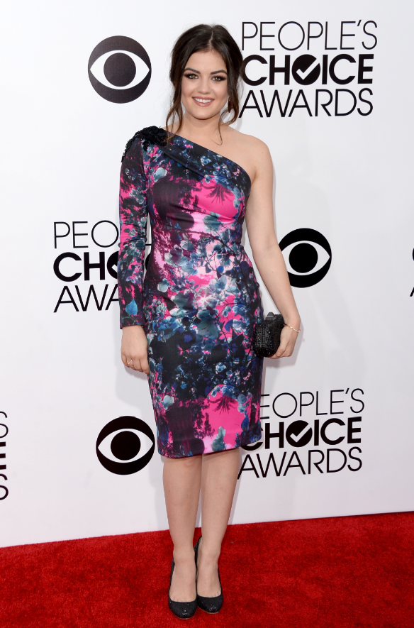 worst-pretty-little-liars-star-lucy-hale-won-favorite-cable-tv-actress-but-didnt-win-any-fans-on-the-red-carpet