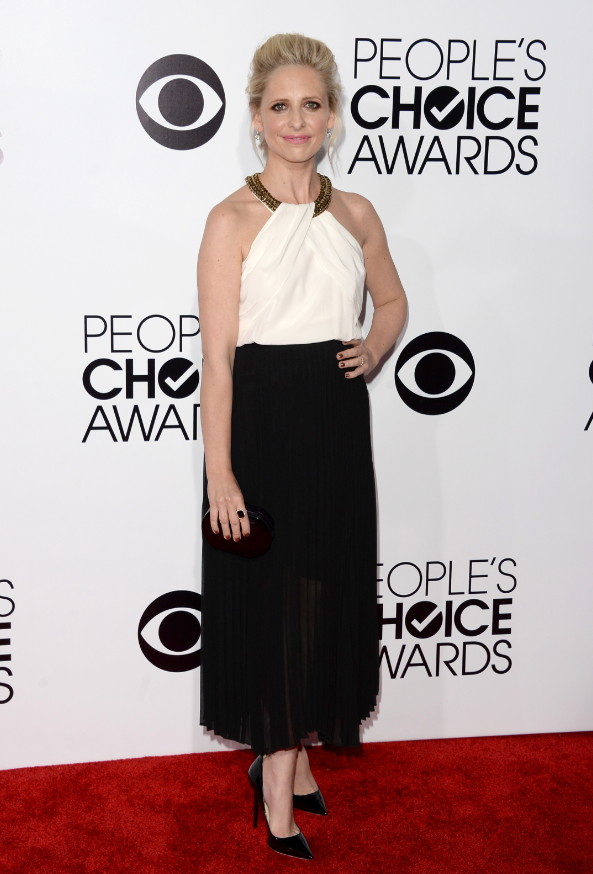 worst-the-crazy-ones-favorite-actress-winner-sarah-michelle-gellar-maybe-could-have-used-a-nap-before-the-show