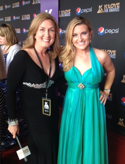 Kelly Suttin and Donna Vissman in Johnathan Kayne at the K-Love Awards