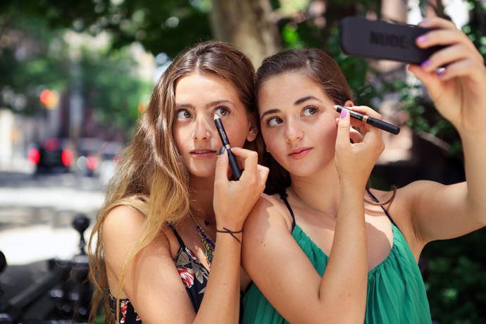Teen Sisters Invent Lux Makeup Brand Nudestix!