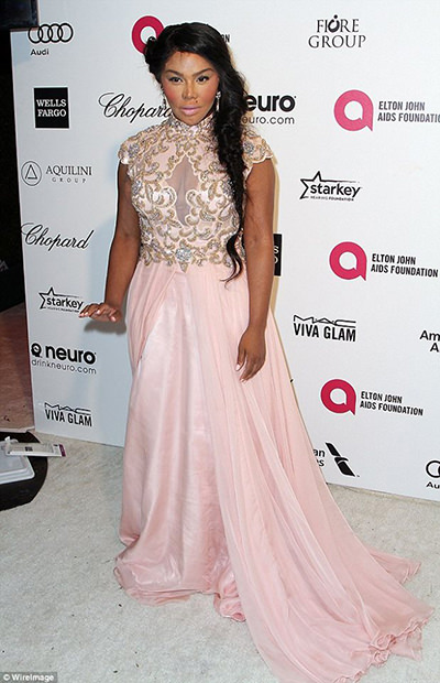 Lil Kim in Mac Duggal 10037 at the Academy Awards