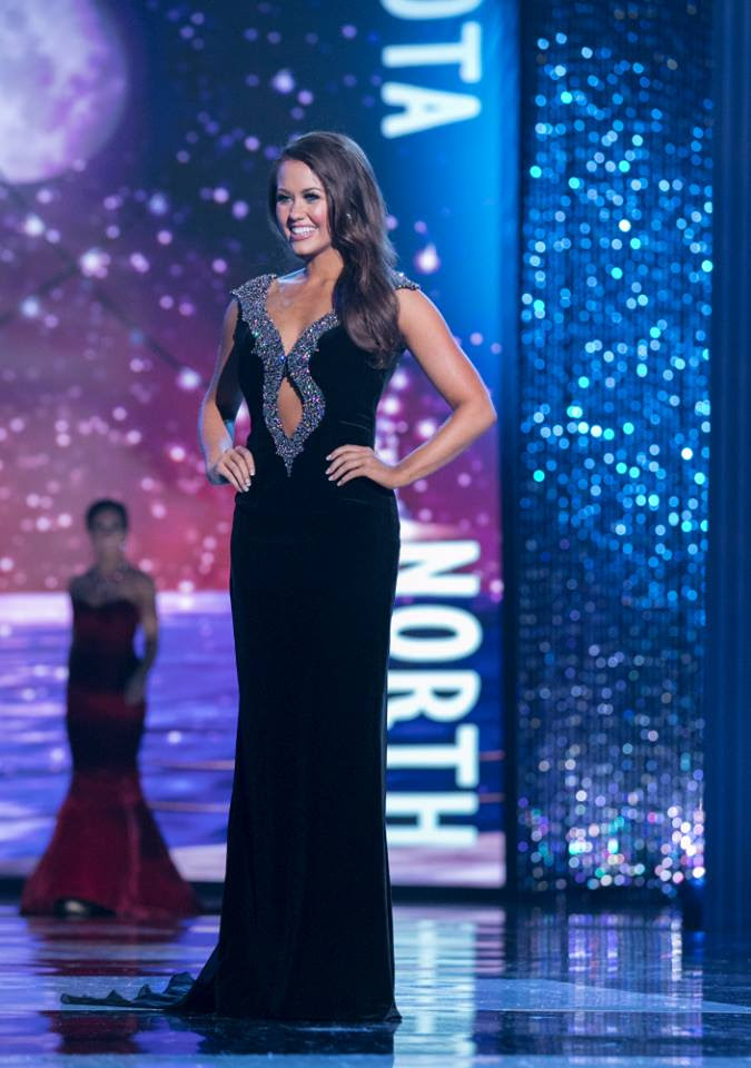 Miss North Dakota Cara Mund